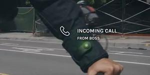 スマートフォンをコントロールできるタッチ袖付きの「Levi
