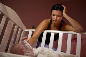 【医師監修】赤ちゃんの夜泣きはいつからいつまで? 原因&対策まとめ